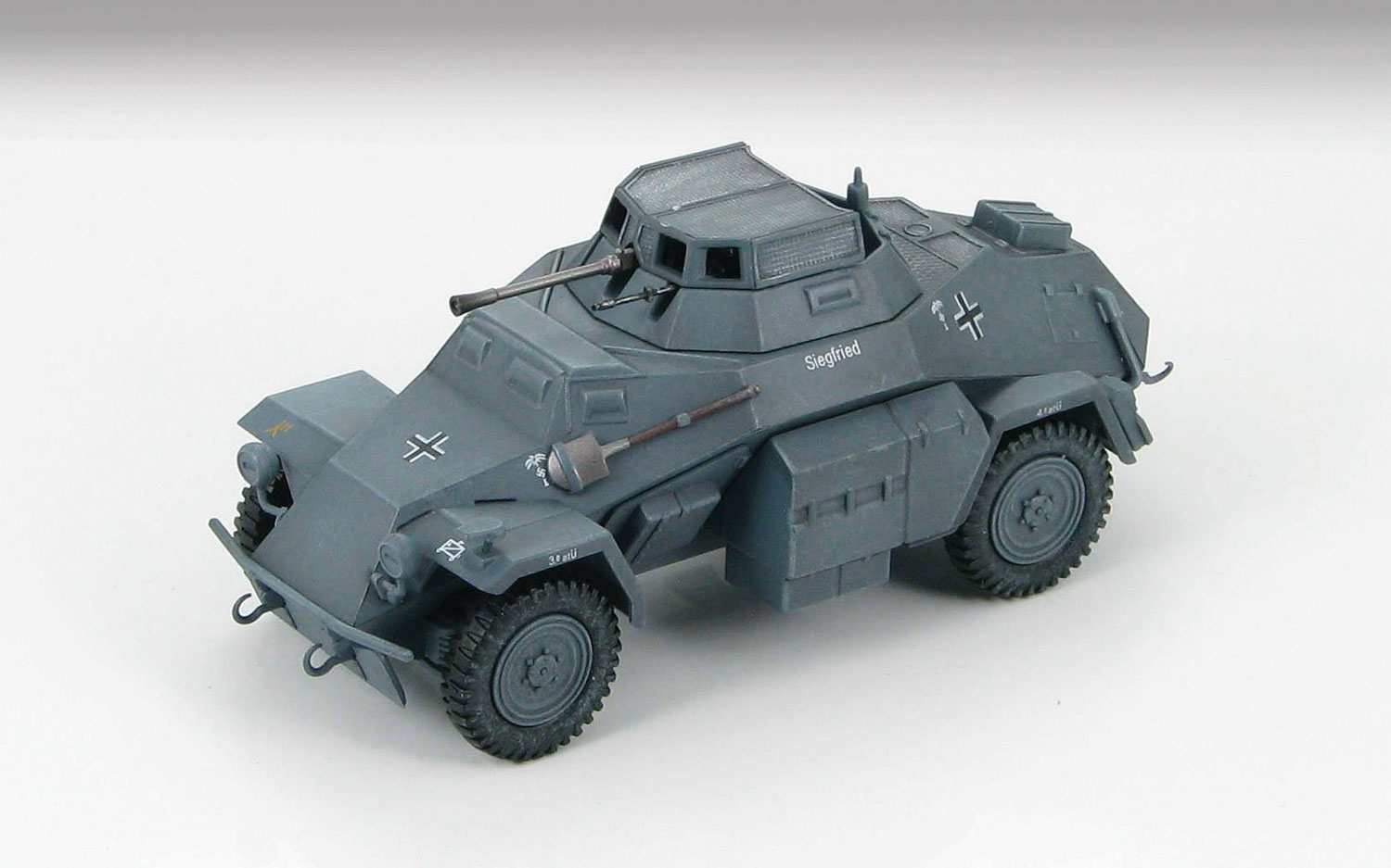 HG1402 Sd.Kfz 222 Leicther 148 Scale